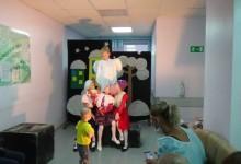 Артисты «Белой птицы» выступили перед пациентами детского онкодиспансера
